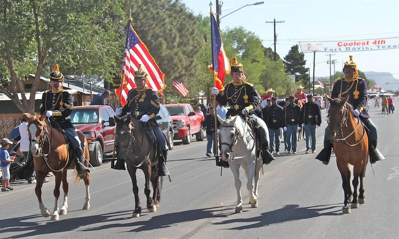 Fort Davis 4th parade