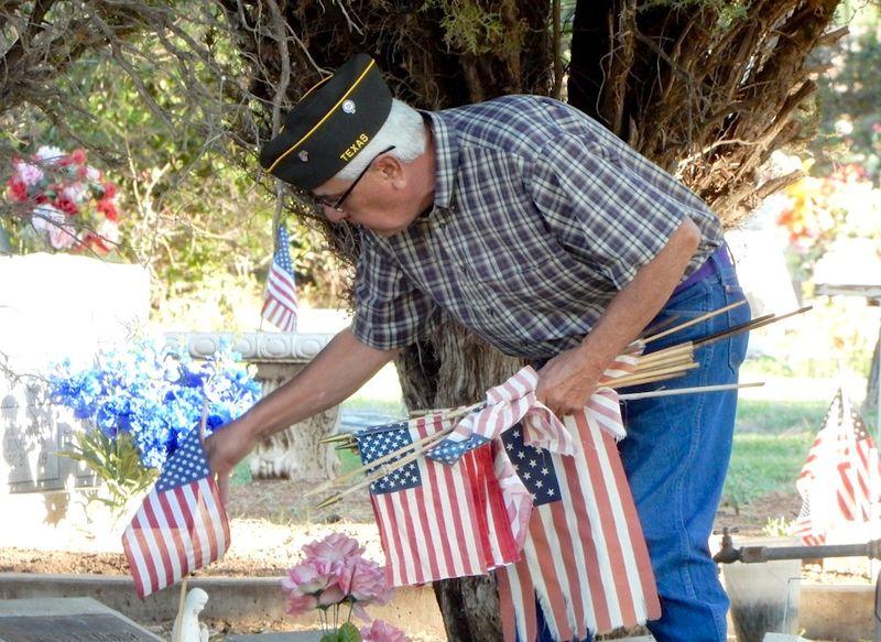 Merardo Reyes at cemetery