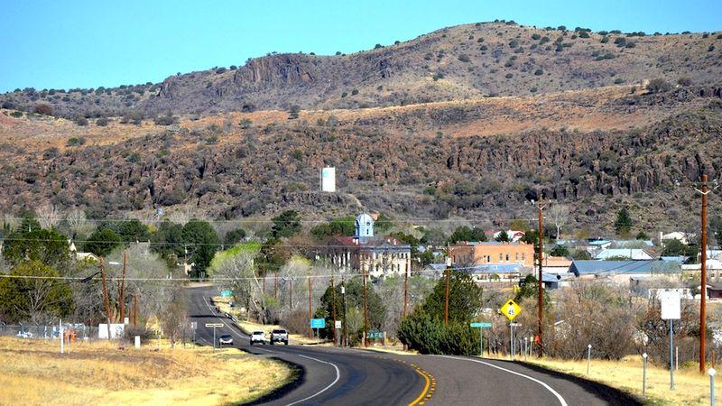 Fort Davis approach from Alpine